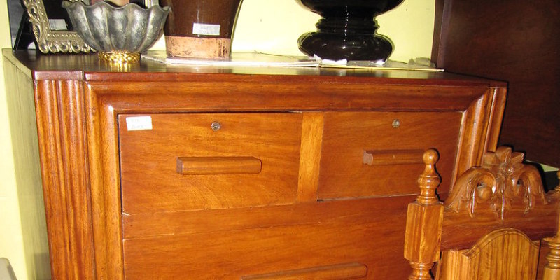 Measure Stylishly With Midcentury Tapered Furniture Legs